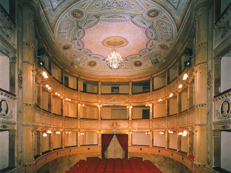 Teatro-dei-Ricomposti_Anghiari