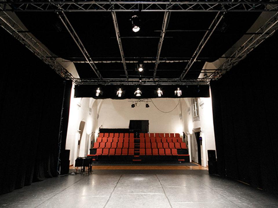 sala-grande-Teatro-Alla-Misericordia-Sansepolcro